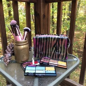 ULTA cosmetic bag WITH (3) Wet n Wild palettes